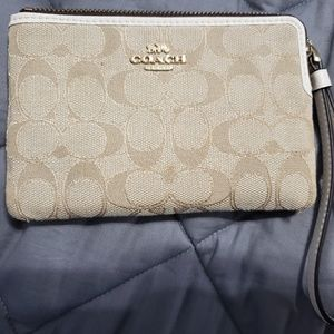 Like NEW Coach wristlet wallet